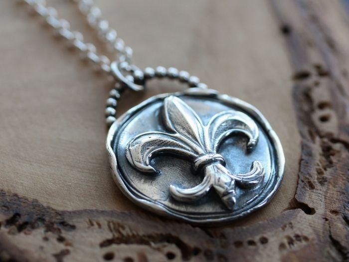 Fine Silver Fleur-de-Lis Medallion - For the Originals TV Show | 2 Sisters Handcrafted www.2sistershandcrafted.com #customjewelry #finesilver  #theoriginals