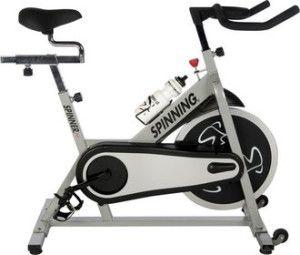 Kiedy pogoda nie sprzyja i nie pozwala nam na spełnianie swojej pasji, jaką jest jazda na rowerze, trzeba znaleźć jakiś substytut. Na ratunek przychodzi nam bardzo popularne urządzenie - rower, czy też rowerek treningowy. Rower treningowy to nieodłączny element wyposażenia każdej siłowni, tej domowej, jak i salonów fitness.Rodzaje rowerów treningowych ...