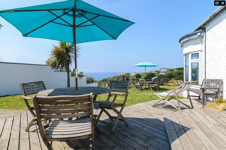 Blue Bay, Mawgan Porth. Sleeps up to 20 people, perfect for a family holiday or event.