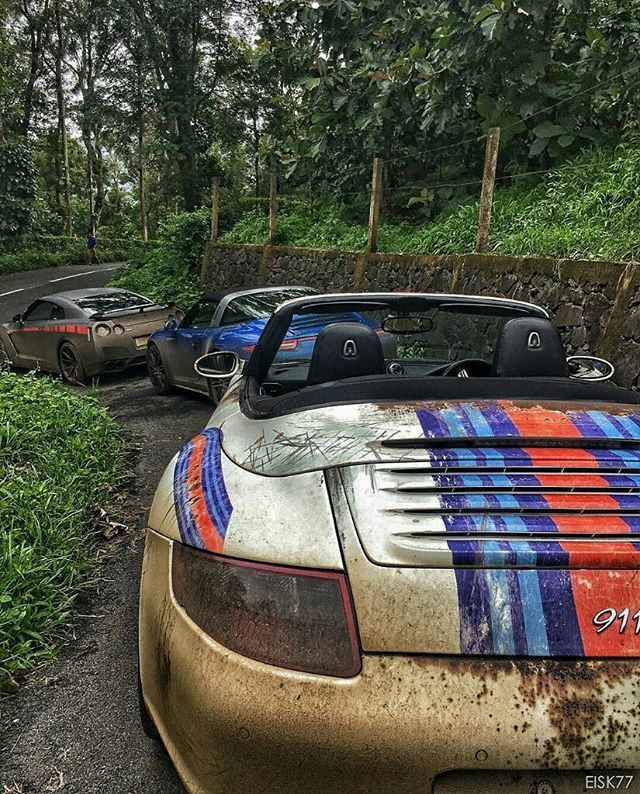 Gettin' down and dirtyy!   #Porsche #997 #CarreraS #Cabriolet #991 #Targa4S #R35 #GTR #Carporn #EISK77 ft. @nirmalkrishnan