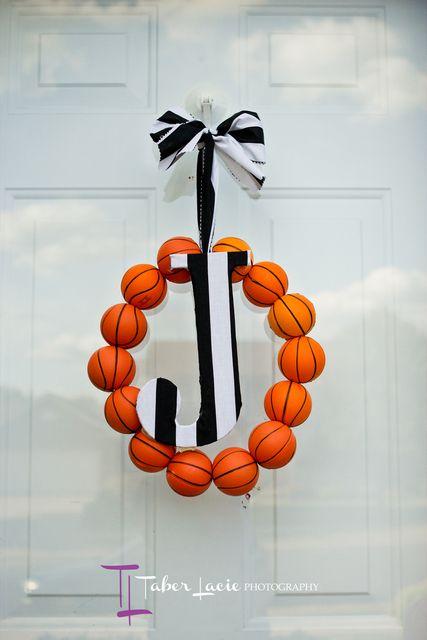 Awesome basketball wreath #basketball #wreath