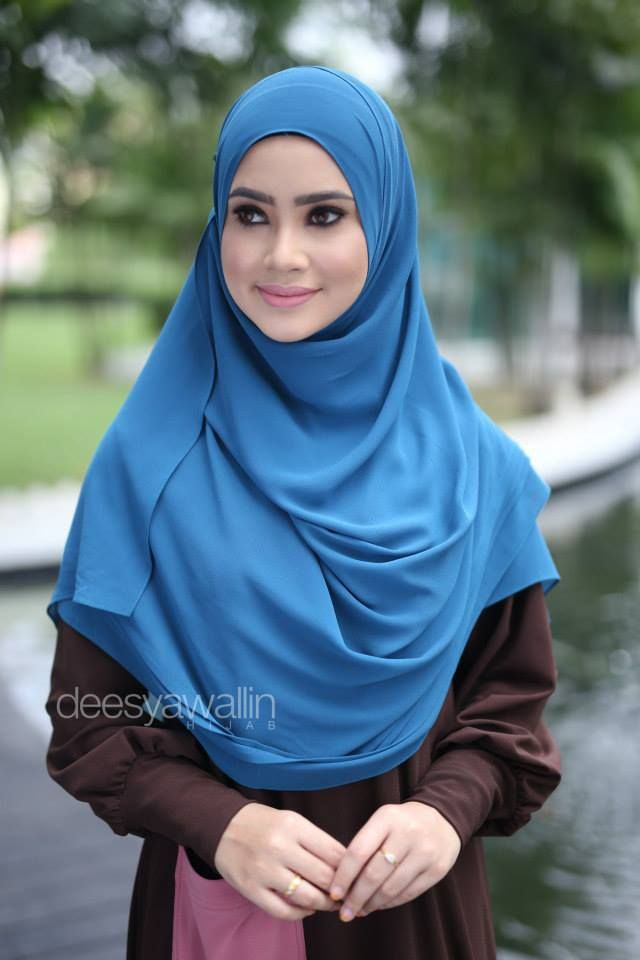 RUMAISA PLEATED SHAWL CODE : DHRPS 011 MATERIAL : Georgette Chiffon APPROX : 1.8 meter x 28 inchi  * Kindly PM us for purchase . tqvm