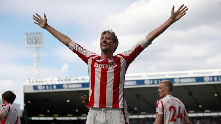 Stoke City announce one-year contract extension for Peter Crouch