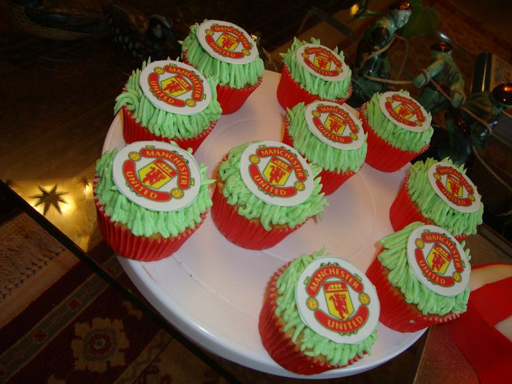 Cupcake Design For Man : 17 Best images about MUFC: Cakes on Pinterest Soccer ...