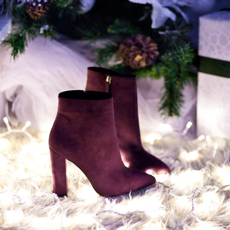 Lights on New Years Eve #SanteWorld #SanteFW1617 Available in stores & online (SKU-94051): www.santeshoes.com