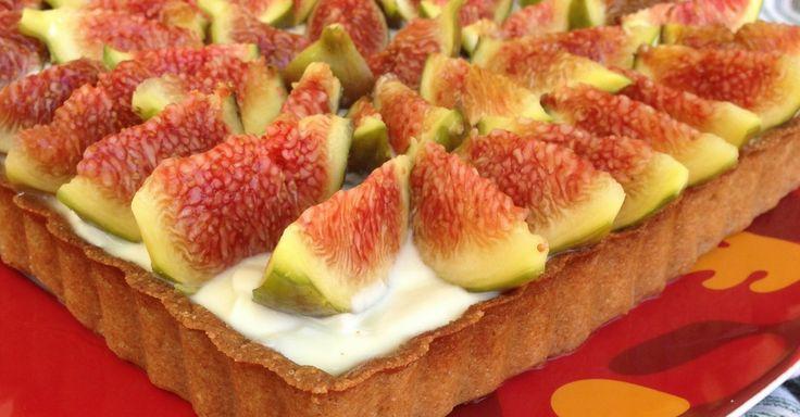 Crostata di farro con yogurt greco, miele e fichi - Chiacchiere a colazione