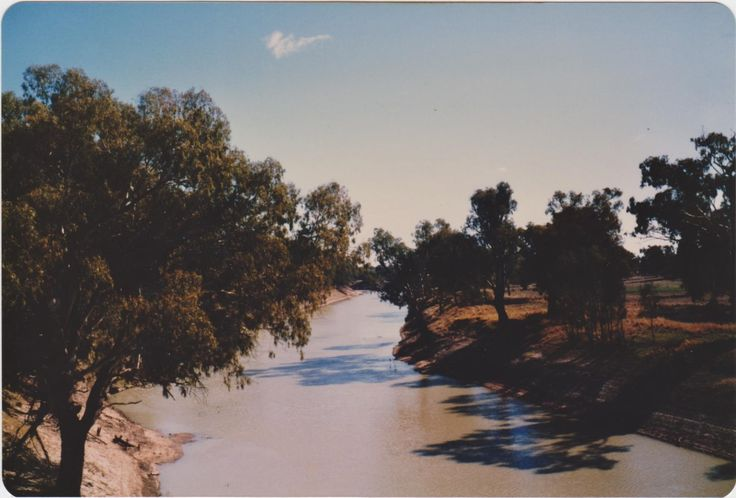 1985. Darling River from Louth Bridge.