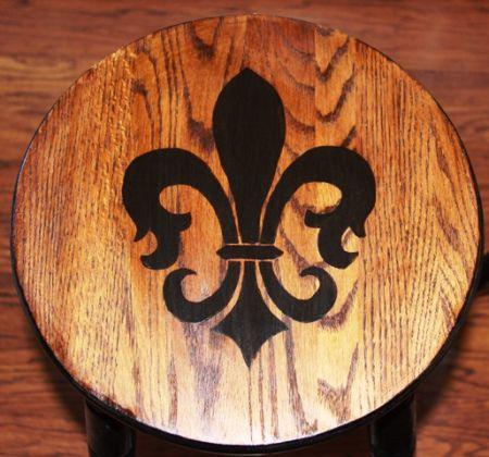 DIY Fleur de Lis bar stool How to tutorial