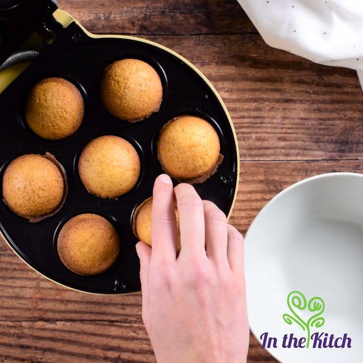 Cake Pops mit einem Cake Pop Maker zubereiten   – In the Kitch Recipe Videos