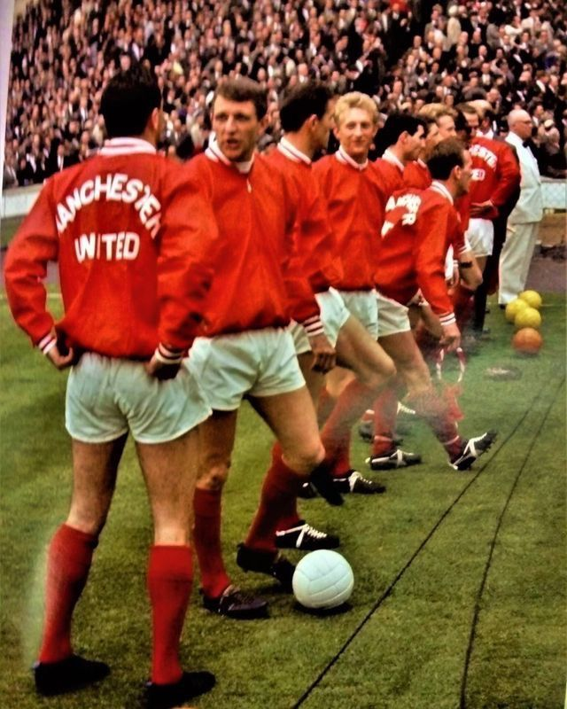Man Utd Line Up Before The 1963 Fa Cup Final Futbol