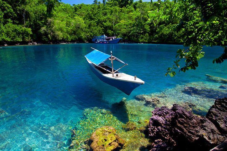 Pantai Sulamadaha di Ternate, Maluku  Source: https://www.facebook.com/photo.php?fbid=472571086106447=a.209388725758019.56117.209373145759577=1_count=1