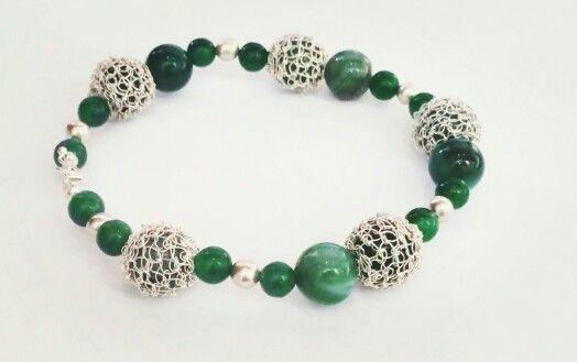 Jade forrado en hilo de plata