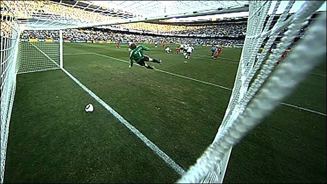 Thank goodness there is going to be goal-line technology at the 2014 World Cup. Hate seeing referee blunders like this, it ruins imporant games like this one.