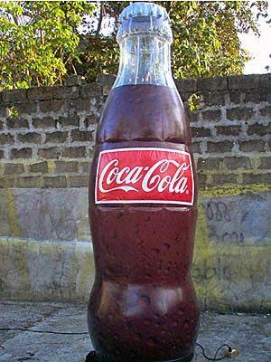 Balon Botol Coca Cola http://mandiribalon.com/balon-botol/