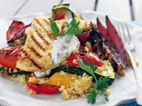 Grillade grönsaker med halloumi och couscous