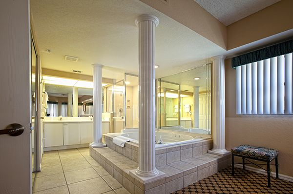 Guests can relax in our deluxe in-room whirlpools at Westgate Lakes Resort & Spa in Orlando, Florida