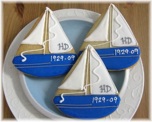 cute sailboat cookies (http://www.divaentertains.com/product1180.html)