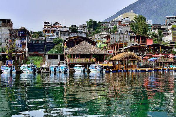 アティトラン湖(Lake Atitlan)