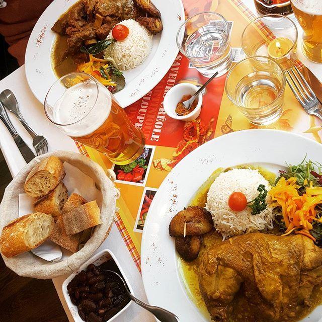 カリブの友達が連れてってくれたレストラン。美味。世界のおいしいもの食べるために生まれてきた気がしてならない。 #creole#caribbean#monparnasse#paris#カリブ料理#カリビアン#モンパルナス#クレオール#肉#肉#肉