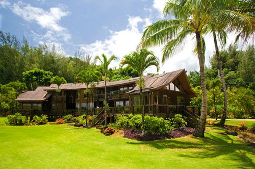 Anini Beach House - An Exquisite Oceanfront Estate on Kauai, 4bdrm in main house 1 in guest house 4.5 bath. check this out.