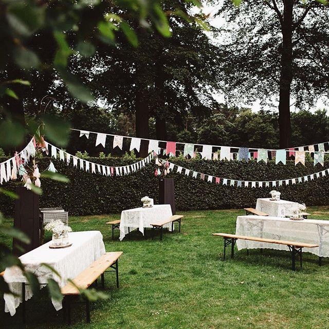 Het is zo leuk om foto's te krijgen van bruidsparen die dankbaar gebruik hebben gemaakt van de vlaggetjes!  Lyanne & Rick, nogmaals van harte!! Foto door @suegraphy