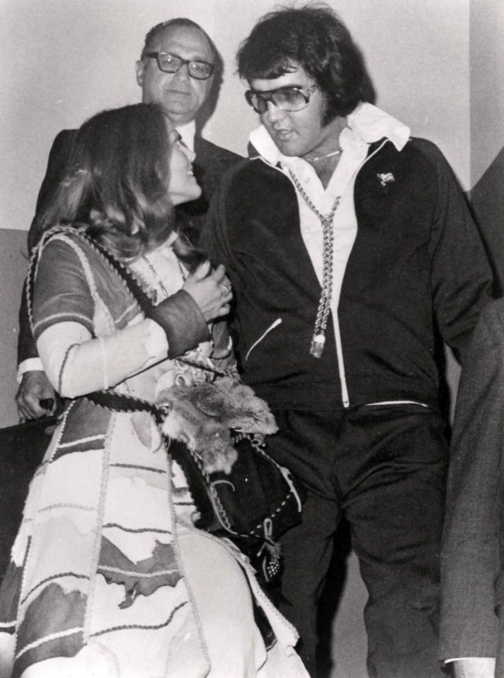 Candid Elvis with Priscilla | Elvis and Priscilla leave the courthouse in Santa Monica, CA after ...