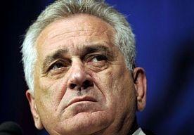25-Apr-2013 13:49 - NIKOLIC OP DE KNIEËN. Tomislav Nikolic, president van Servië, heeft vandaag in een interview met het Bosnische televisiestation BHT om vergeving gevraagd voor de misdaden die in Srebrenica zijn begaan in juli 1995: Ik ga op de knieën en vraag om vergiffenis voor de misdrijven, aldus de president.