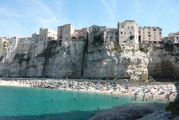 http://www.blogcdn.com/news.travel.aol.com/media/2011/05/tropea.jpg