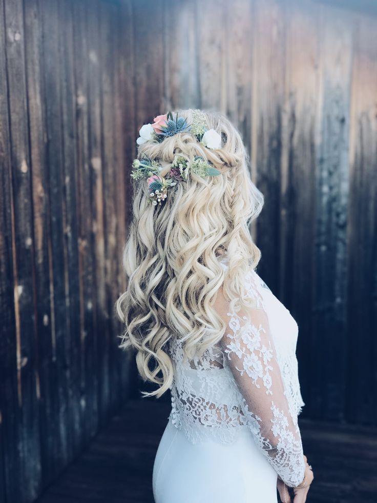 Hair by @NataliaIssa www.nataliaissa.com  #flowersinmyhair #bridalhair #hairinspiration