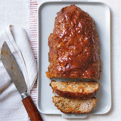 "At just 227 calories, Bobby Deen's ""New Fashioned Meat Loaf"" is a #healthy (but still delicious) alternative to the Southern classic. #dinner 7 smart points when serves 4."