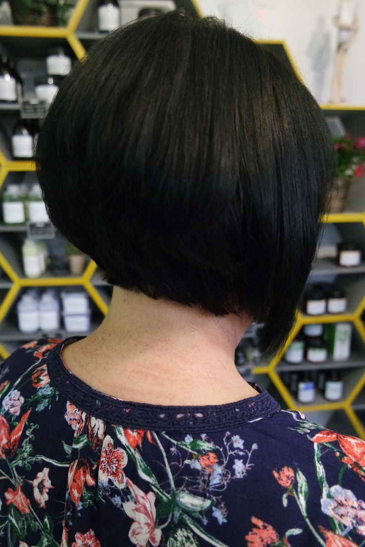 Client Fiona after her beautiful transformation with Charlene, with a fresh and sleek restyle! Book online with Charlene @ sdhair.co.uk/?utm_content=buffer22416&utm_medium=social&utm_source=pinterest.com&utm_campaign=buffer, or call the salon on 01179 502 402 #bristol #hair #tuesdaytransformation #beforeandafter #shorthair #shorthairstyle #brunette #hairdresser #hairdressing #davines #alliloneducation #allilon #restyle #haircut #bristol #bristolcity