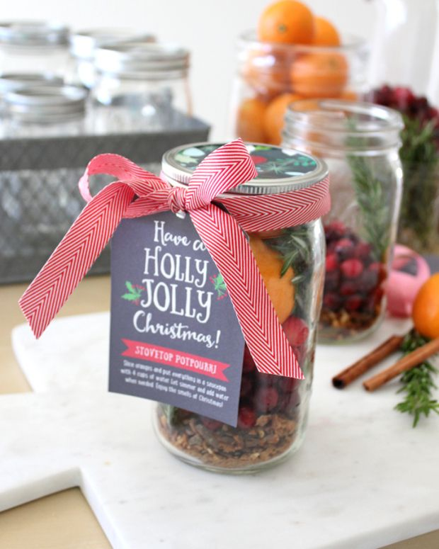 DIY Stovetop Potpourri with FREE Gift Tag Download