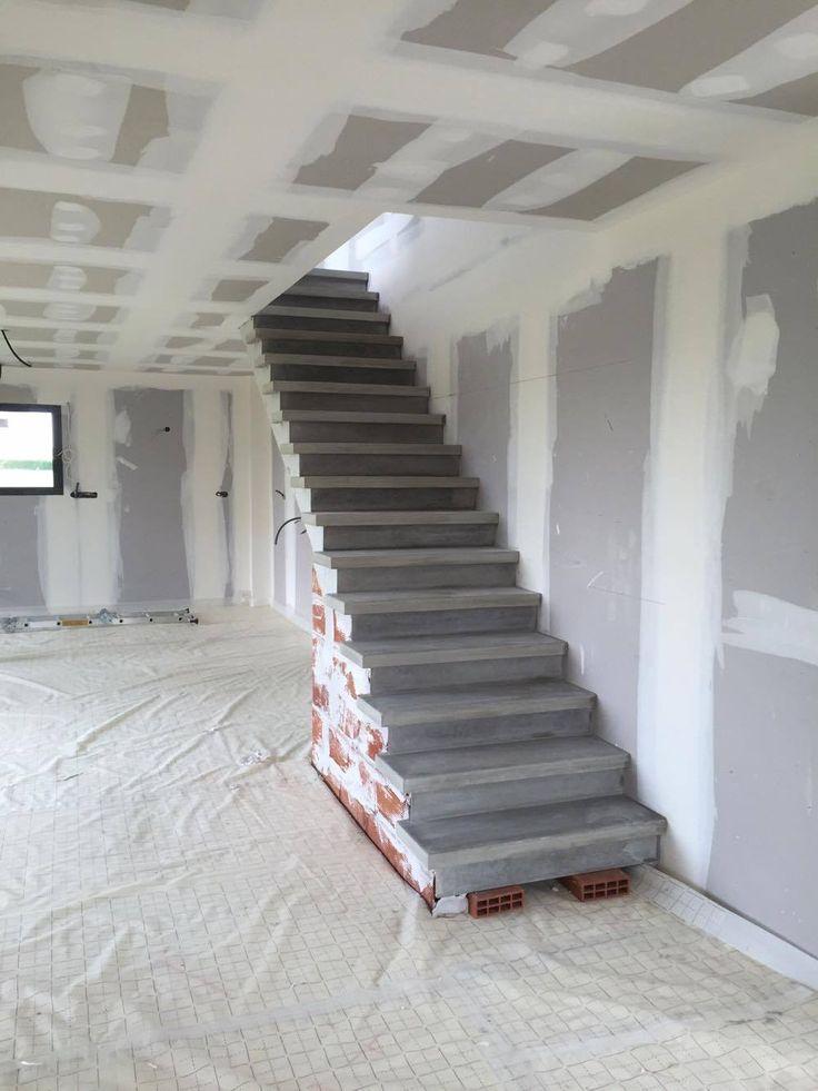 Les 25 meilleures id es de la cat gorie b ton teint sur for Fabrication escalier beton exterieur