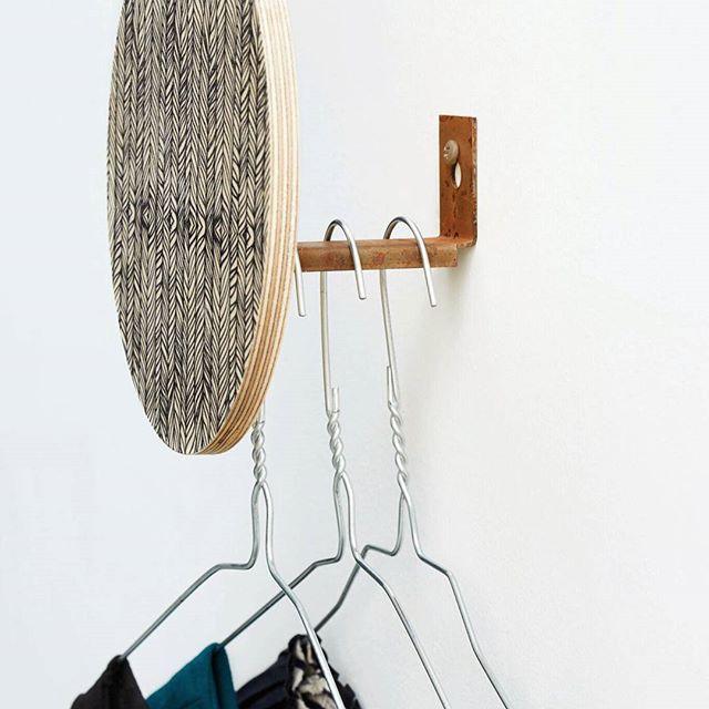 Dims sine walldots  Du finner de snart på Dinevakreting.no lanseringsdato kommer...#dimsdims #Dims #danskdesign #walldots #knagg #vegg #interior #interiør #interiørnettbutikk #nordiskehjem #skandinaviskehjem