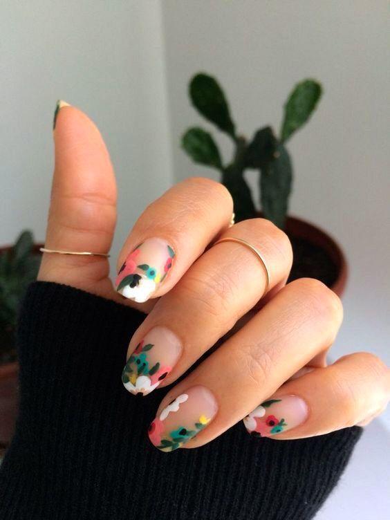 Über 50 helle Sommer-Nagelkunst-Entwürfe, die die ganze Saison über so trendy…