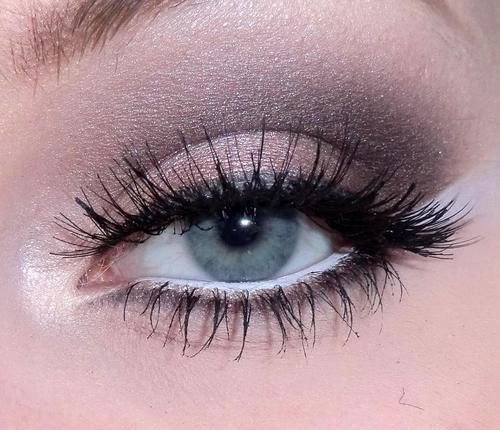 Taupe and white eye look