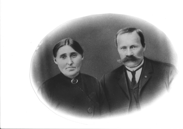 My great great grandmother Anna and her second husband Halvor Andersen. Anna and Ole Undheim was the parents of Ingeborg Olsdotter.