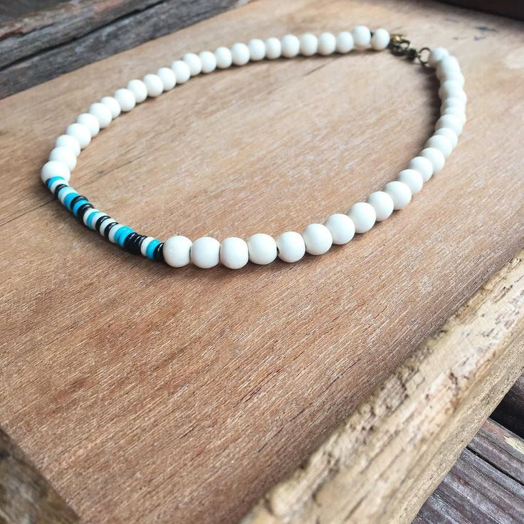 Easy to layer easy to wear. . NEW  Wood Bead Bone Choker. . . #shopmelvin #melvin #melvinbyjess #mbyjess #sportbymelvin #panthers #panthernation #keeppounding #clt #cltstyle #cltlocal #charlotte #newarrivals #whattowear #wtw #ootd #aotd #saturday