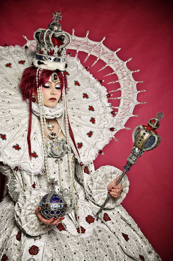 Trinity Blood: Esther Blanchett/Queen of Albion #cosplay amazing!