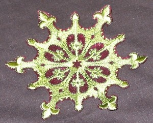 This one is ugly, but it's a good machine embroidered ornament tutorial.: Ornaments Tutorials, Ornament Tutorial, Machine Embroidered Ornaments