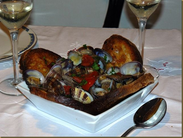 Per la Notte di San Silvestro - Soutè di Vongole http://cucinasuditalia.blogspot.it/2011/11/soute-di-vongole.html