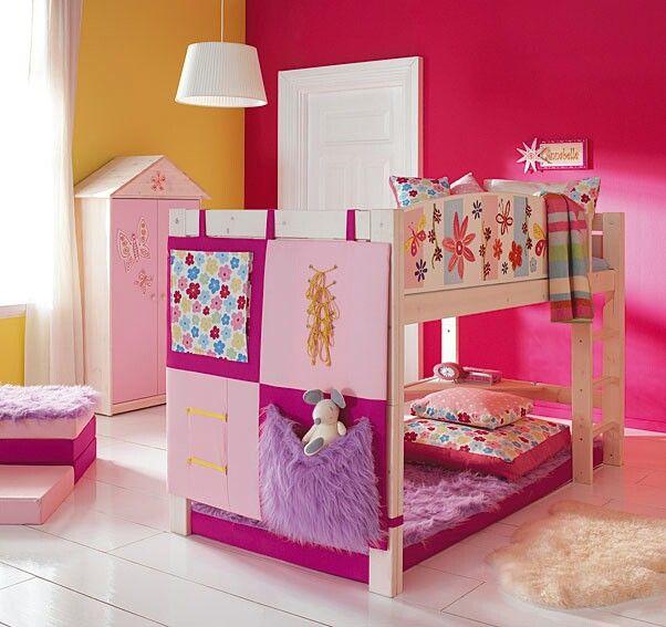 Cuarto de niña cama doble color rosa