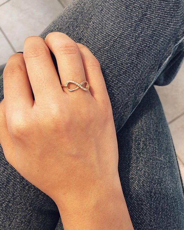 Rose gold infinity ring on www.goldentiara.gr