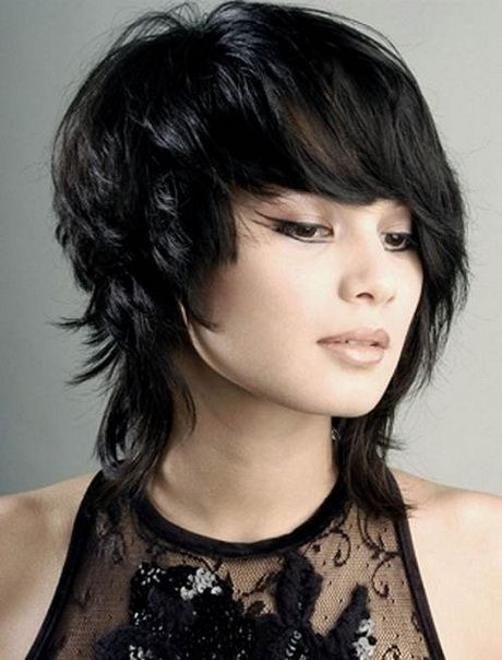 layered hair styles 1000 ideas about medium choppy haircuts on 2485