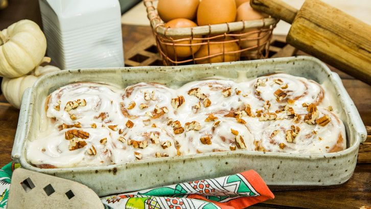Cinnamon Rolls - Home Cook Contest finalist Lynn Sims is making one of her favorite breakfast treats in the kitchen.