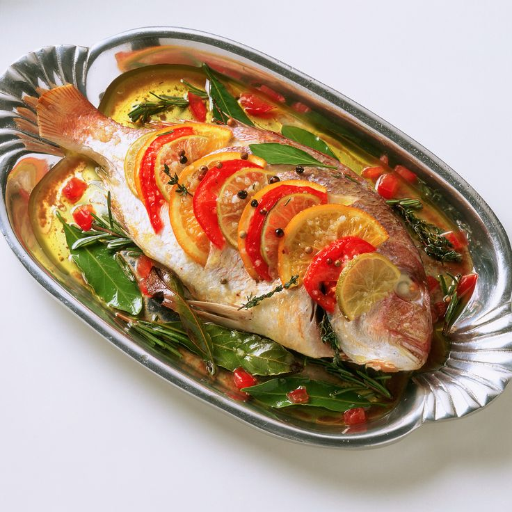 Découvrez la recette Daurade au four sur cuisineactuelle.fr.