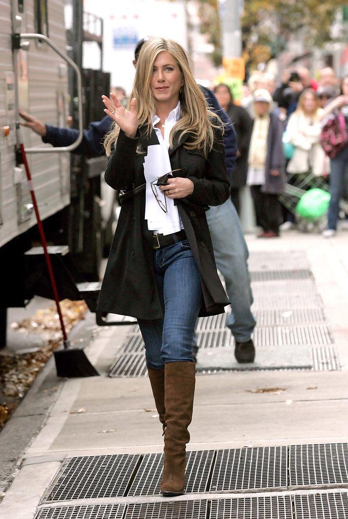 Jennifer Aniston - Jennifer Aniston on the Set