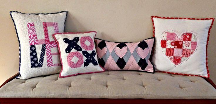 Valentine's Day #pillows by Alidiza: http://www.alidiza.com/2015/02/be-mine.html