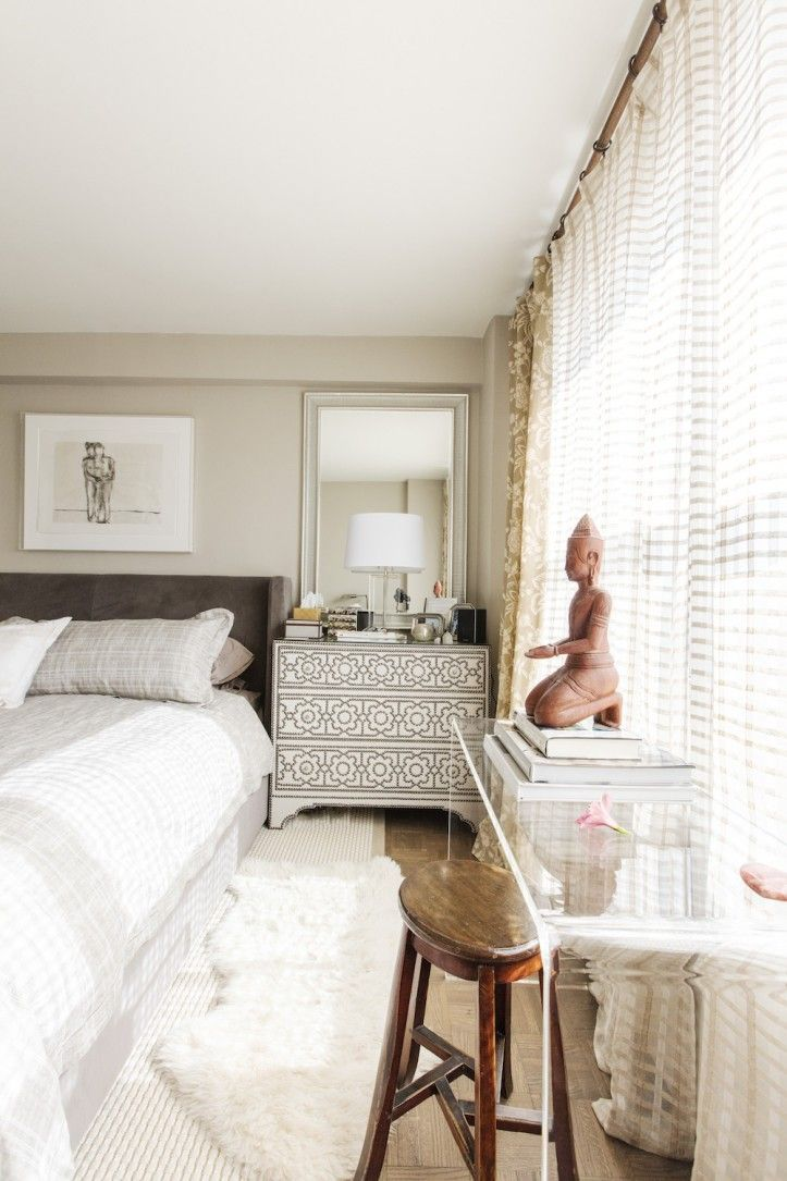 An Interior Designer Rearranges Order in Her Bedroom