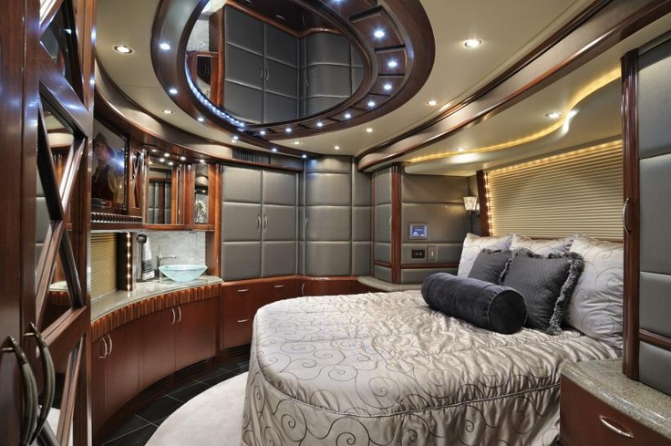56 best prevost images on pinterest buses busses and modern for Motor coaches with 2 bedrooms